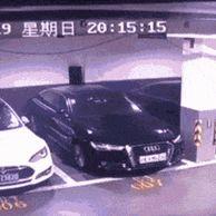 중국서 테슬라 차량 폭발.GIF