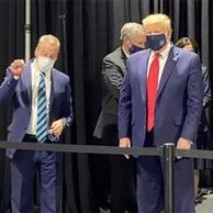 마스크 쓴 트럼프, 드디어 카메라에 잡혔..