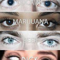 마약한 여자의 눈.jpg