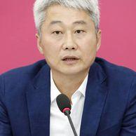 """조국 '애꾸눈 마누라' 고소에 김근식 """"공인의 품격 지켜라"""""""