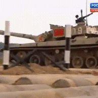 러시아 전차대회에 참가한 중국 전차.gif