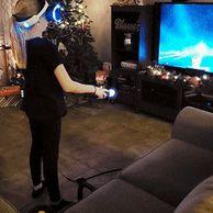 VR 게임하는 누나 구경하는 동생